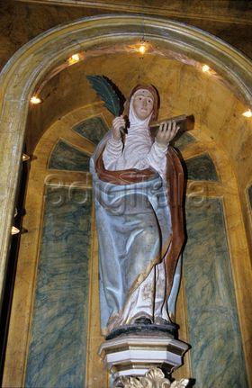 Escultura de santa engracia de la iglesia del mismo nombre for Muebles santa engracia